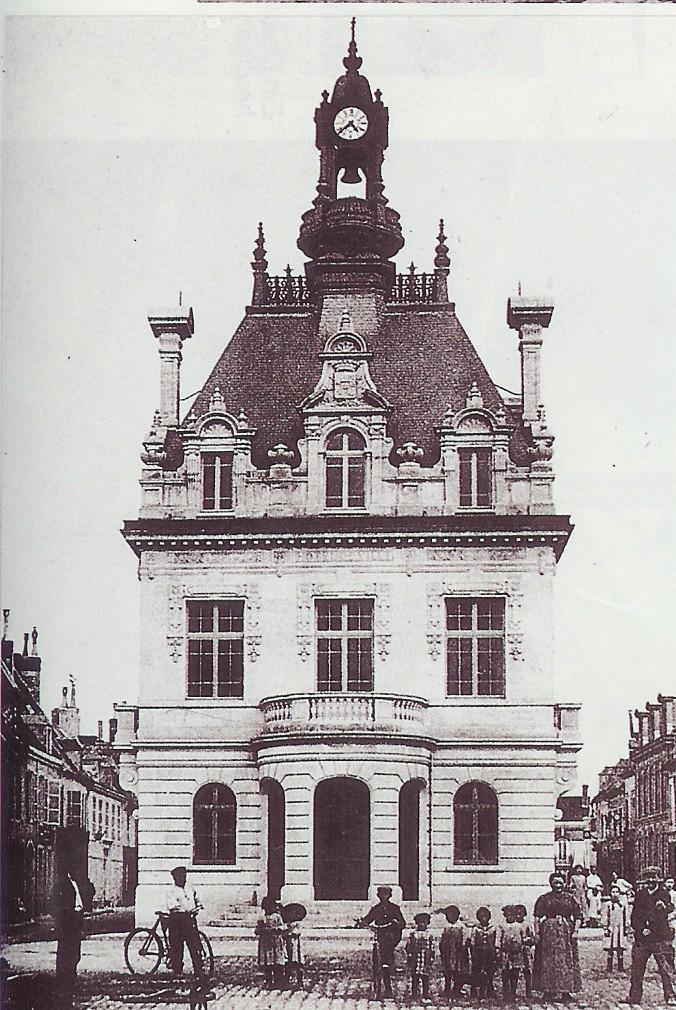 Hotel de Ville Fismes 1912